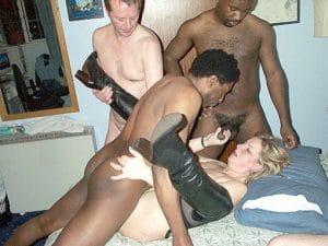 Cuckold Gangbang mit Hotwife und 2 Bulls